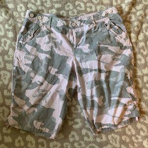 CATO Woman camo shorts
